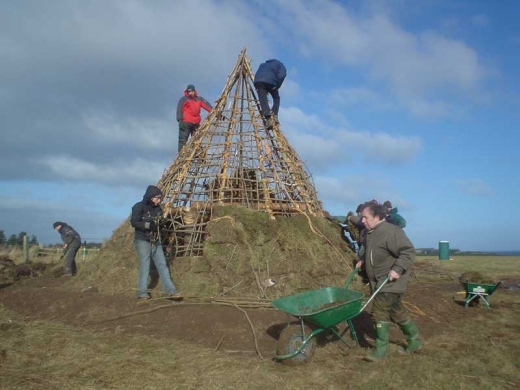 University College Dublin to reconstruct Mesolithic house | New blog (2/3)