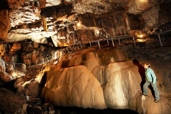 pooles-cavern-3